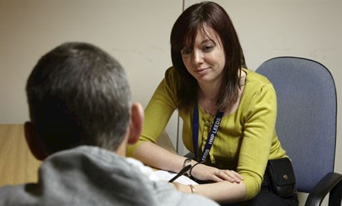 Support worker with outreach patient